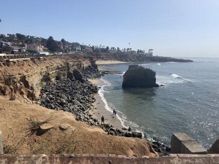 A cliffside view of the San Diego, California coast.