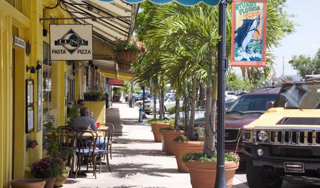 Luna Downtown in Stuart, Florida